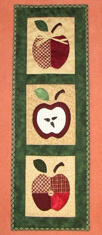 Trio de maçãs em patchwork