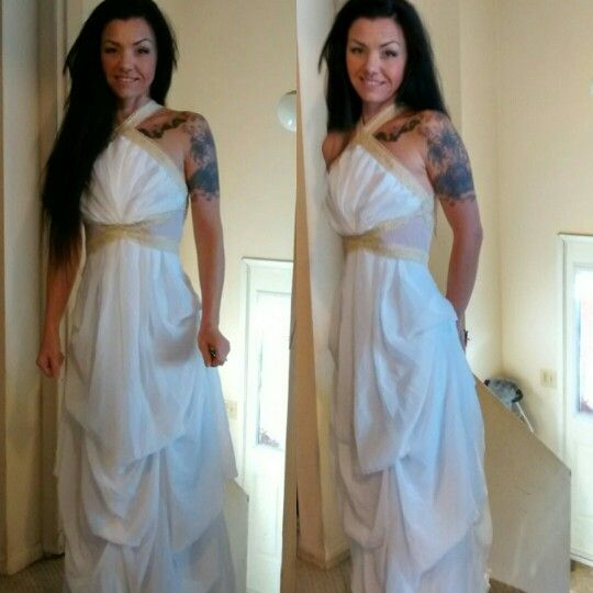The dress i made for my oldest daughters prom.. (And me in it) teehee... I always wanted to try this thing on lol