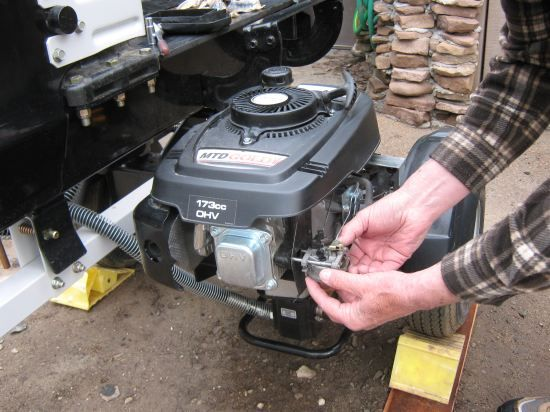 Small Engine Repair - Homesteading and Livestock - MOTHER EARTH NEWS