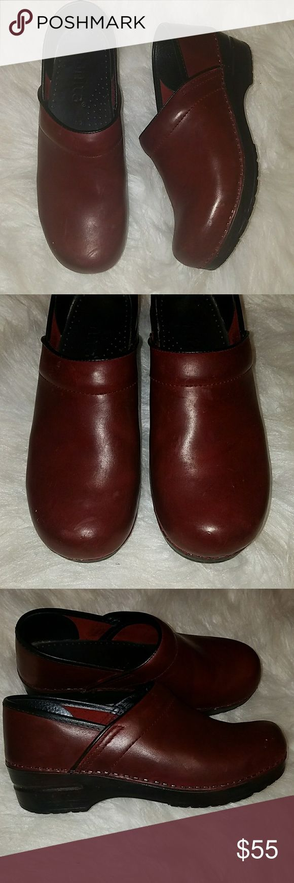 Sanita Deep Red Burgundy Brown Clogs Size 39 Sanita Size 39 Clogs. These fit a US size 8 or 8.5 in Womens. Theu are in very nice condition, only worn a handful of times. They have some normal scratches on the leather but overall look wonderful. They are a unique color - between deep red, burgundy and brown. Retails for $140. Sanita Shoes Mules & Clogs