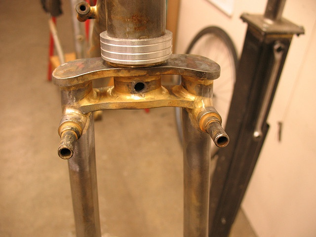 """Twin-plate Fork Crown by pereiracycles, bosses are for Paul """"Racer"""" brakes"""