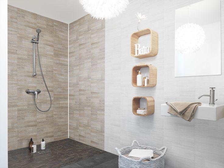 El revestimiento Element Dune representa una alternativa seductora al alicatado mural, ideal para cuartos de baño. Obtenga un efecto decorativo sutil e inédito con este aspecto veteado contemporáneo. Element Dune es 100% estanco, incluso bajo la ducha.