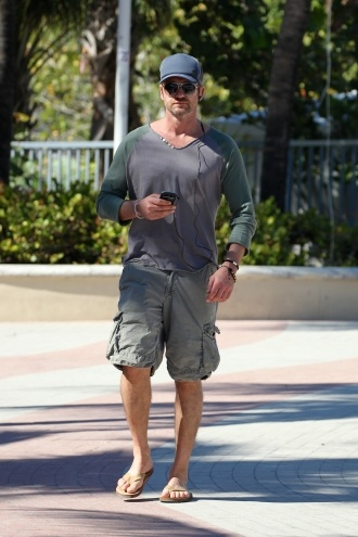 Gerard Butler Hits the Boardwalk #miami #travel #beach # ...