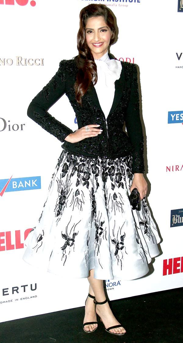 Sonam Kapoor was lovely im a monochrome Ralph & Russo Couture at the Hello! Hall Of Fame Awards 2014.
