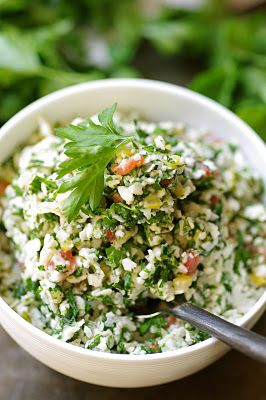 This is a delicious cauliflower #tabouli! It's vegan and #raw...full of healthy enzymes.  A refreshing meal- YUM!