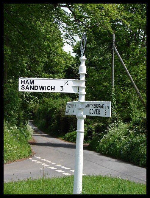 FINGERPOST: WORTH   Nr. SANDWICH   KENT   ENGLAND