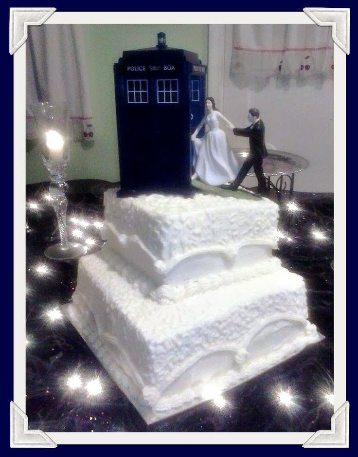 Mystery Lovers' Kitchen: Dr. Who Wedding Cake from a Cupcake Menorah + Chipotle Cranberry Sauce by Cleo Coyle