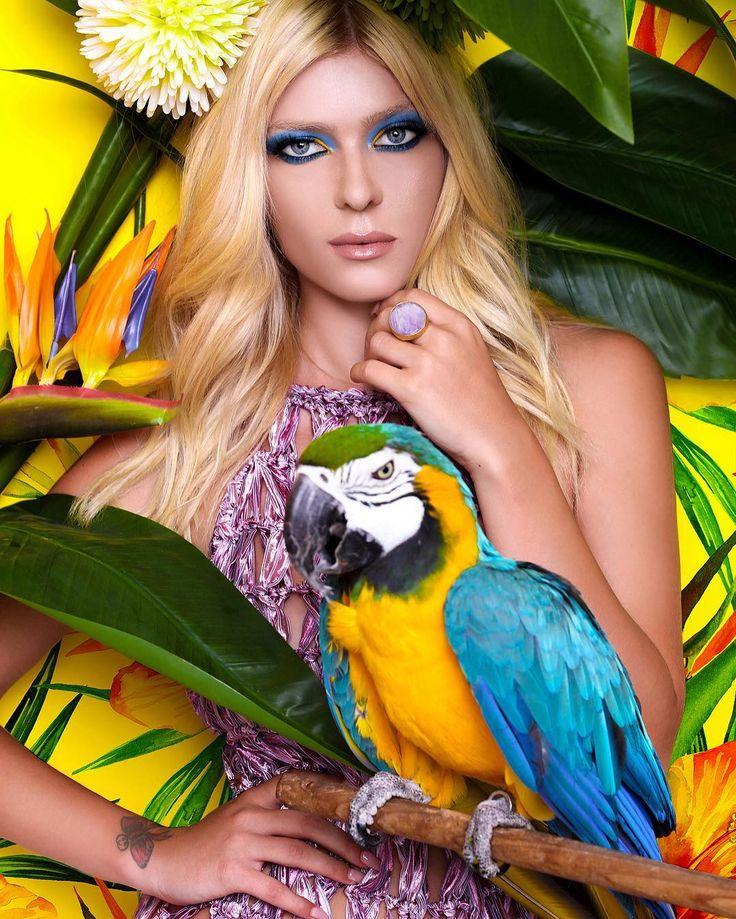 model : Ksela Lara