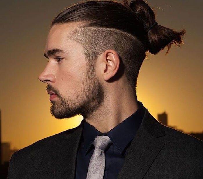 man bun undercut ou coiffure degrade cheveux longs chignon homme