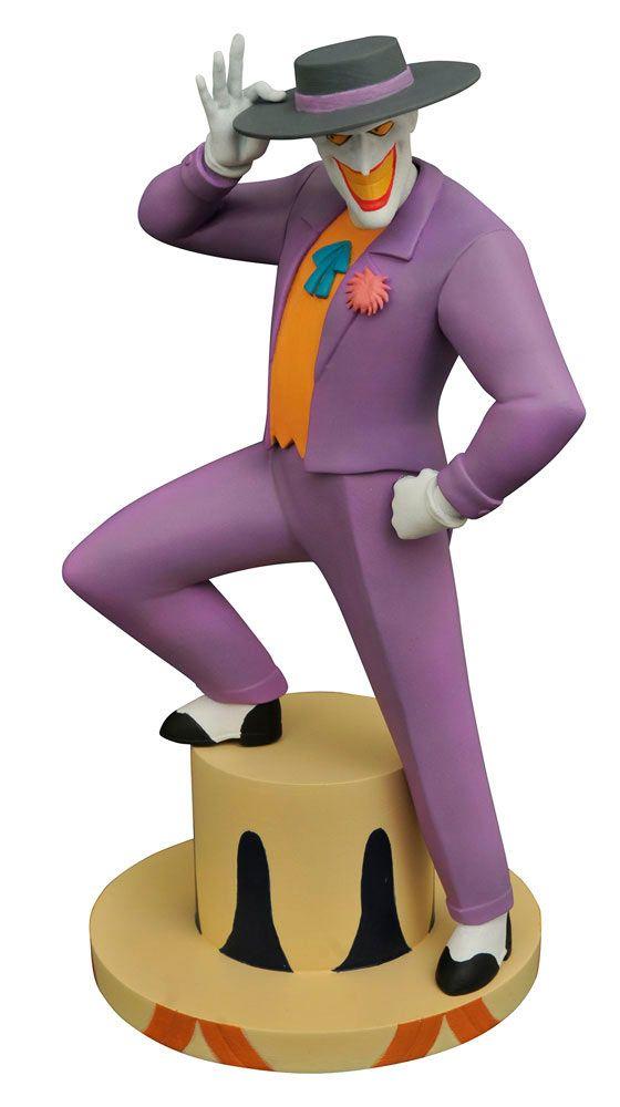 Estatua The Joker 23 cm. Batman: la serie animada. Diamond Select  Estupenda estatua del personaje de The Joker de 23 cm, fabricada en material de PVC, 100% oficial y licenciada vista en Batman: la serie animada. Es una pieza perfecta como detalle a todos los fans de esta serie.