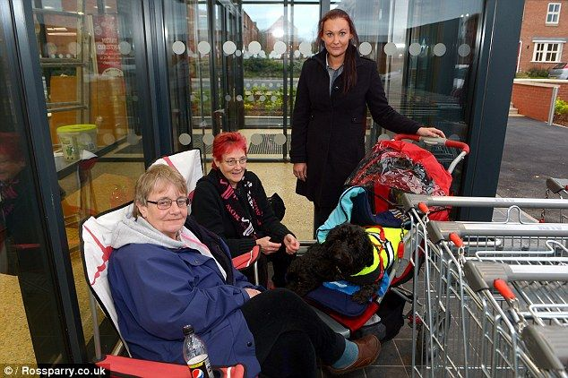 Aldi fans travel 70 miles to Louth and camp for 48 hours to be first in new store #car #window #decals http://car.remmont.com/aldi-fans-travel-70-miles-to-louth-and-camp-for-48-hours-to-be-first-in-new-store-car-window-decals/  #new car values # Are these Britain's biggest Aldi fans? Friends travel 70 miles and camp for 48 hours to be first in the doors at new store View comments Two women have being dubbed Aldi's biggest fans after travelling 70 miles and camping out for 48 hours ahead of…