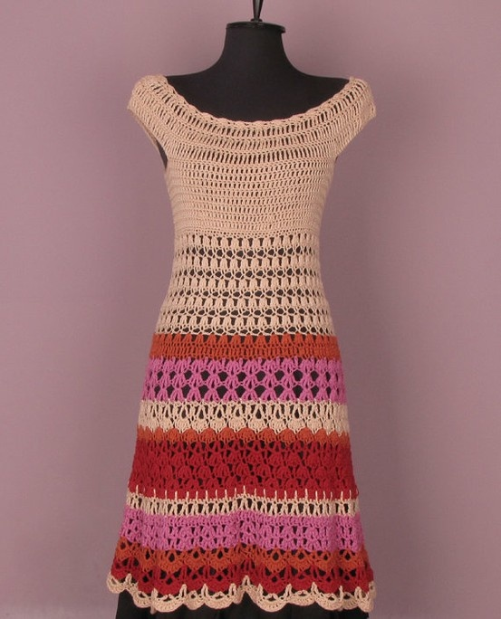 crocheted dress: couldn't find the pattern, but looks pretty easy