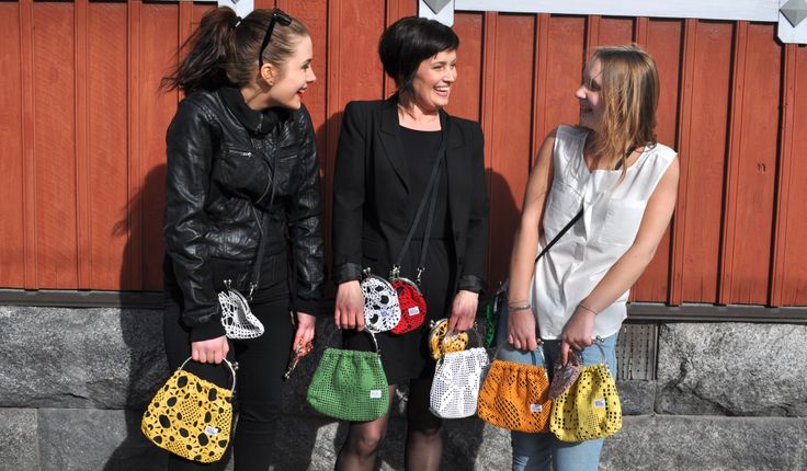 Risako Lacehandbag is made from recycled lace.