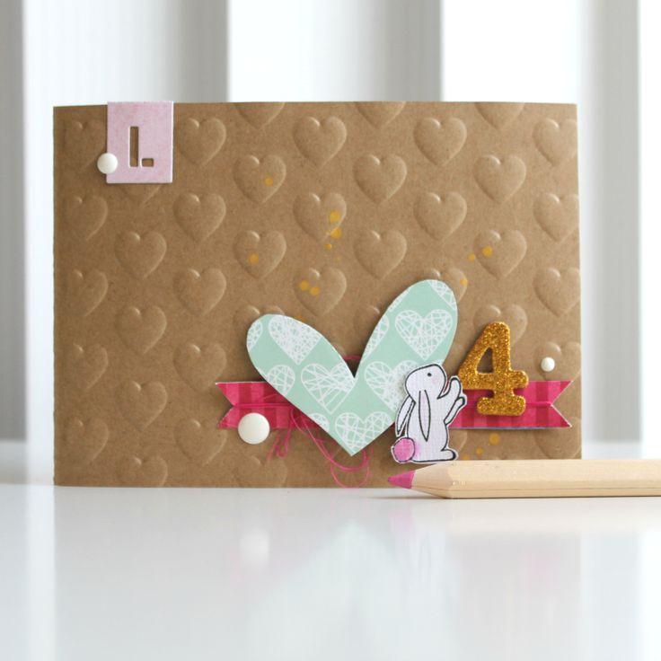 HAPPY SUNDAY!       Heute habe ich   eine Mädchen-Geburtstagskarte   für euch. :)         Herzig mit Hasi & Goldakzenten...   *dahinschmel...