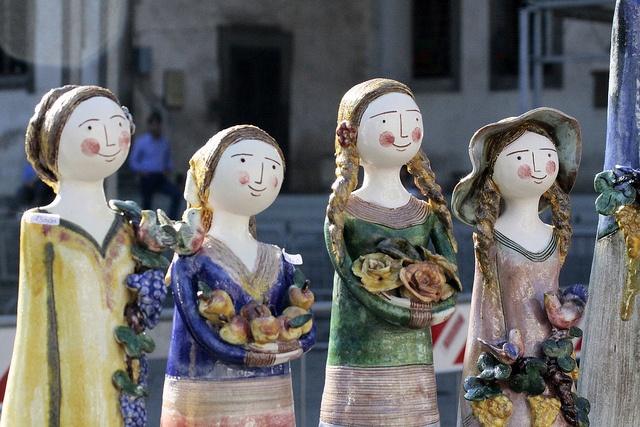 Bonecas italianas em cerâmica. Lindas http://www.flickr.com/photos/32409740@N07/5048258687/
