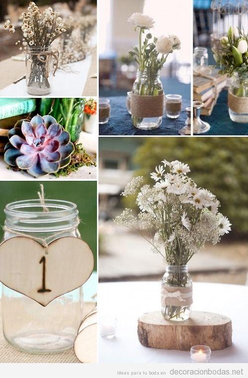 Ideas sencillas y baratas para decorar boda, centro mesa con botes y flores blancas
