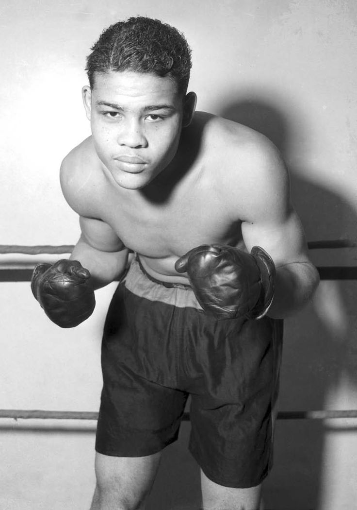 Joe Louis | Joe Louis in 1934 at the beginning of his career (Chicago History ...