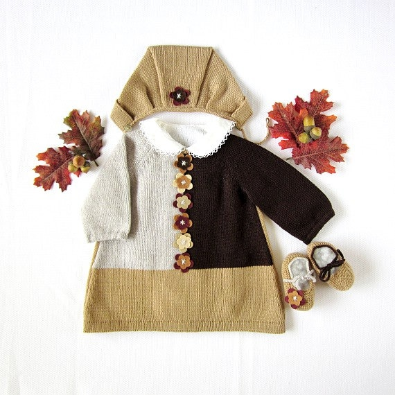 A knitted baby dress set with felt flowers 100 wool by tenderblue, $102.00