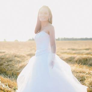 Magdalena #bride #beautiful #sun #dayaftersession #weddingsession #luxurywedding #weddingplanning #destinationweddingphotographer #weddingphotographer #italywedding #jollydayit
