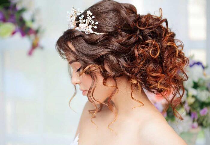 Haarschmuck Fur Braut Bildergalerie Mit Vielen Inspirationen Brautfrisur Frisur Hochgesteckt Hochsteckfrisur
