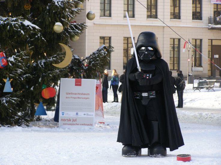 #DarthVader #Vader #kostium #przebranie #berlin #brama #brandenburska #choinka #śnieg #święta #zwiedzanie