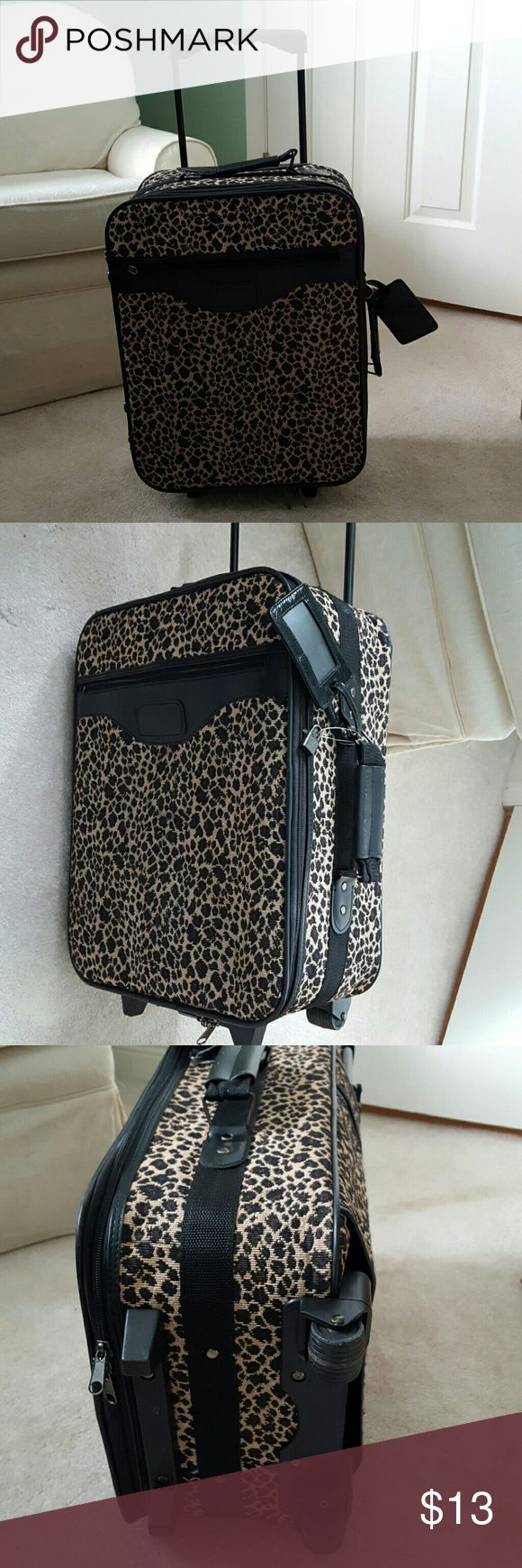 Leopard carry-on suitcase Roll carry-on bag with name tag and keys Bags Travel Bags