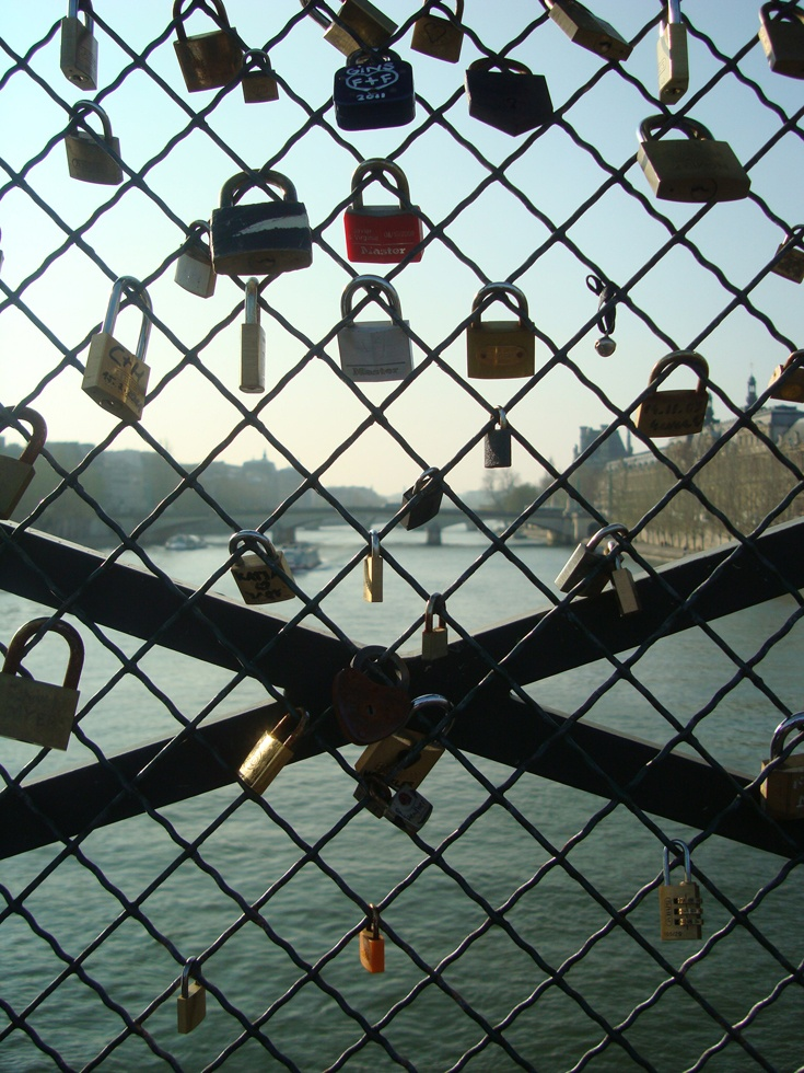 Ponte do cadeado ou amor lacrado, Paris