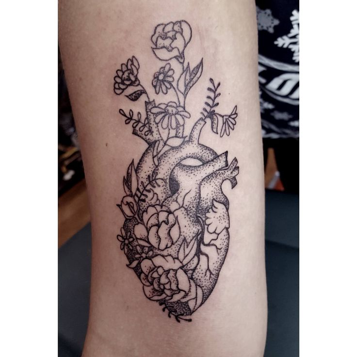 #stippled #anatomical #heart #tattoo by Laura Carney from Kiss of Ink Studios VA #dotwork