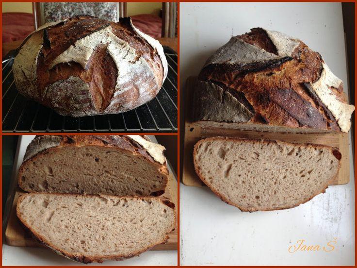 Pšeničnožitný chleba pečený v linitovém hrnci