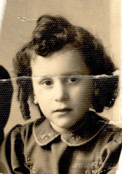 Fanny Orlinski was sadly murdered at Auschwitz Death Camp on September 29, 1942 at age 4.