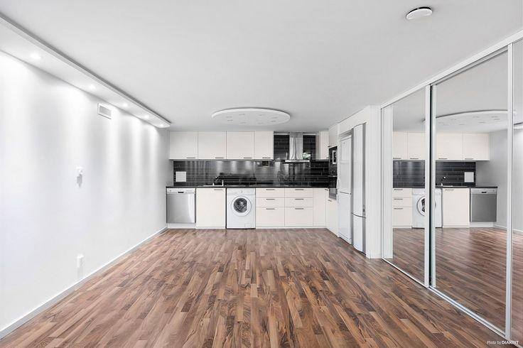 Bullerholmsgränd 111 - Hus & villor till salu i Skärholmen | Länsförsäkringar Fastighetsförmedling