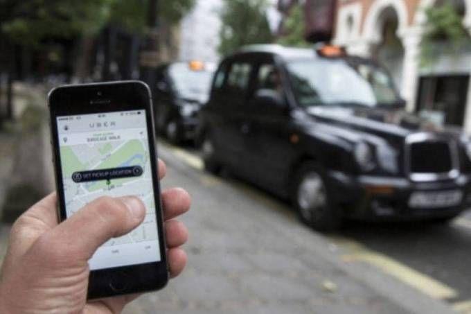 Aplicativo compara preços cobrados pelo Uber e seus concorrentes