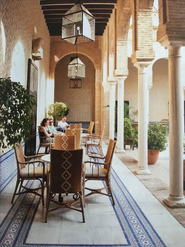 25 beste idee n over terras ontwerp op pinterest dak zitplaatsen inde tuin en buiten zitbankje - Deco kleine tuin buiten ...