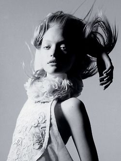 sand-snake-kate:  Gemma Ward by Irving Penn Vogue US March 2006