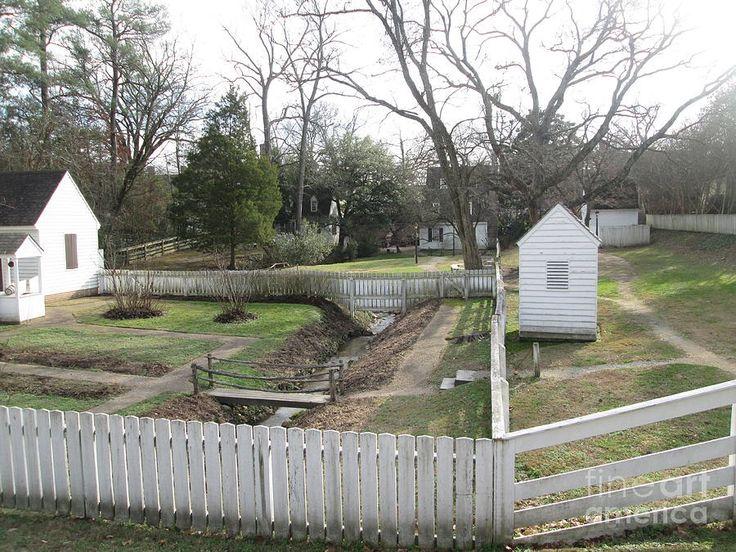 Farmhouse Landscaping Ideas Colonial Garden Williamsburg Fencing Gates Diy Gate Trellis Fence