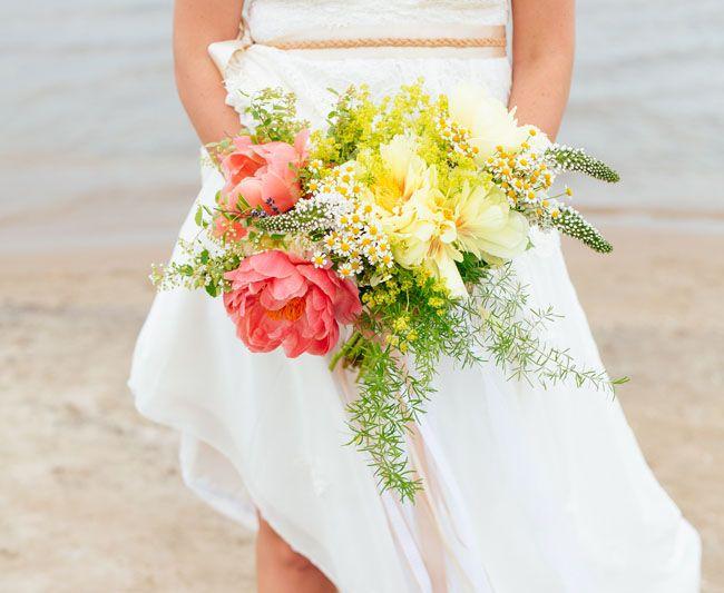rosa e amarelo bouquet peônia