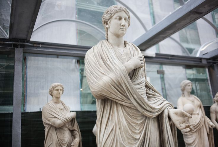 """Una delle statue esposte in occasione della mostra """"I beni culturali invisibili"""" al Museo Archeologico Nazionale di Napoli   © Machi di Pace (@machidipace) - Campaniasuweb"""