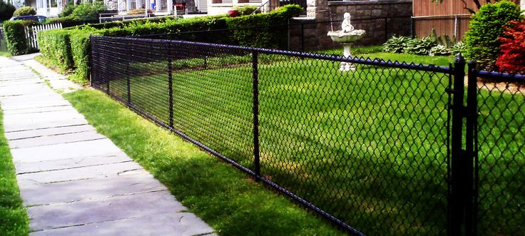 25 Best Ideas About Black Chain Link Fence On Pinterest