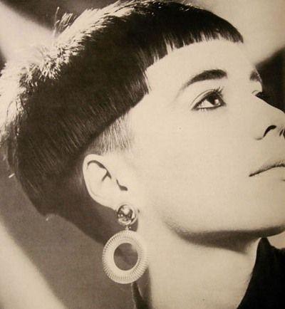 (¯`·.¸HairWeb.de • Frisuren-Trend 2011: UNDERCUT / SIDECUT für Frauen - Beispiele, Anleitungen, Fotos