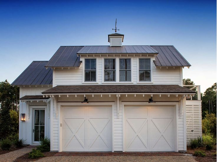 <p>Take a tour of one of the beautiful homes that serves as a stop on Kristy Woodson Harvey's book tour</p>