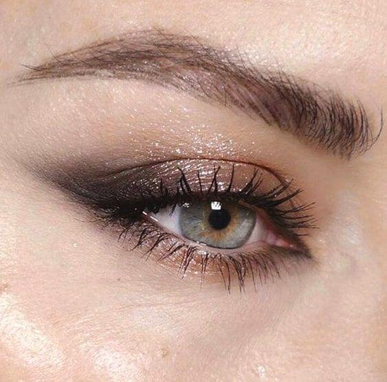 smokey-eye-makeup-for-blue-eyes