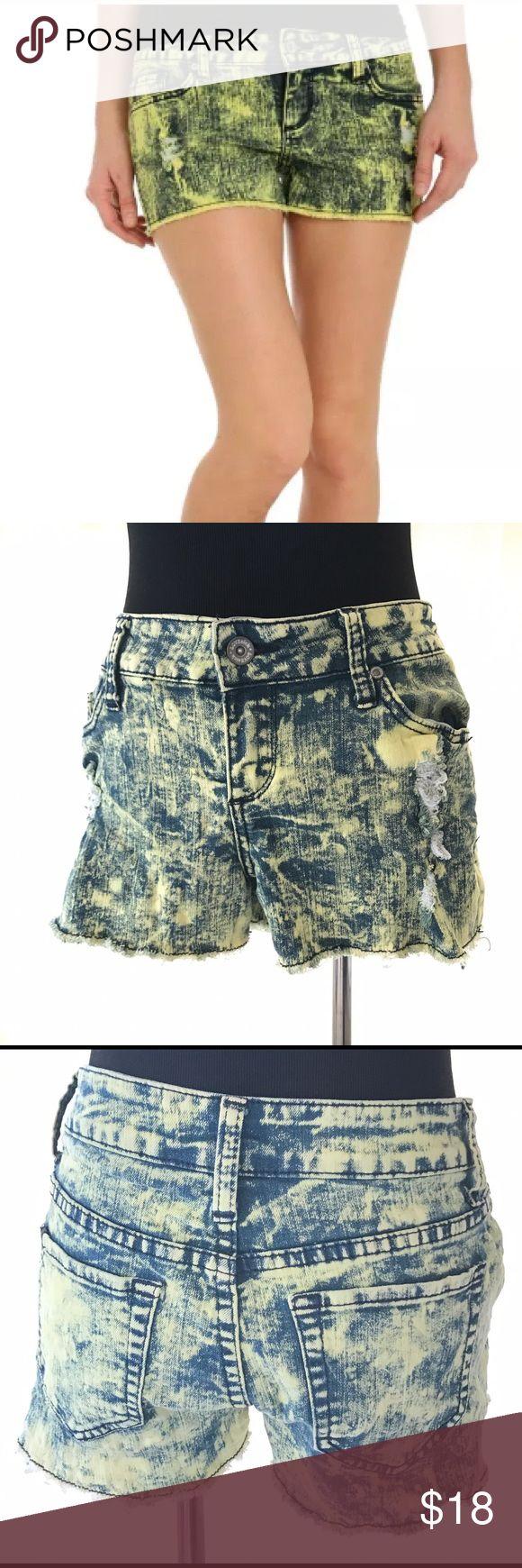 HOT TOPIC LOVESICK YELLOW ACID WASH SHORTS SIZE 7 Gorgeous great condition yellow acid wash shorts from hot topic. SiE 7 Hot Topic Shorts Jean Shorts