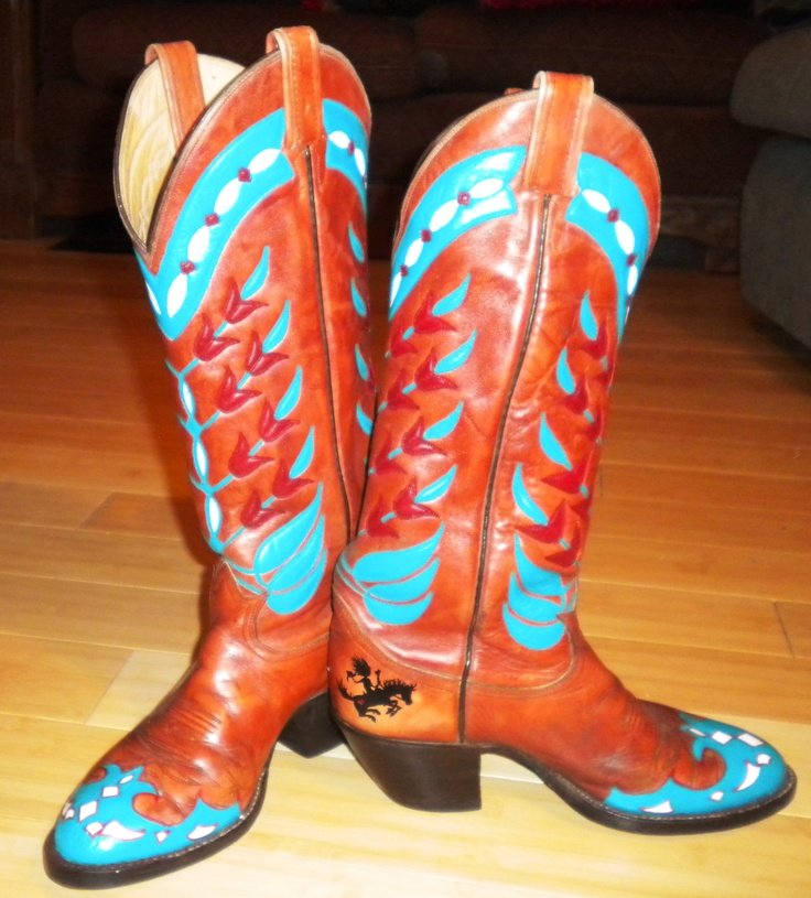 Custom Hand Painted Boots by Saddle Tramp Designs! Look them up on Facebook! :)