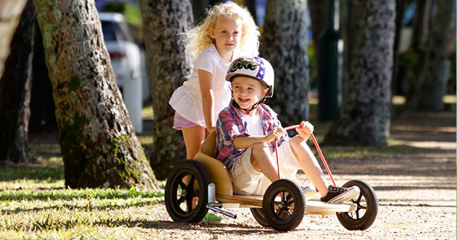 Box Kart Features -For ages 6 years and over -Can be personalised with a name and number -Natural paint scheme -Strong rope allows easy steering -Fully adjustable frame -Strong protected seating area -Fully working brake -Maximum weight 50kg -Slick pneumatic tires with inner tube
