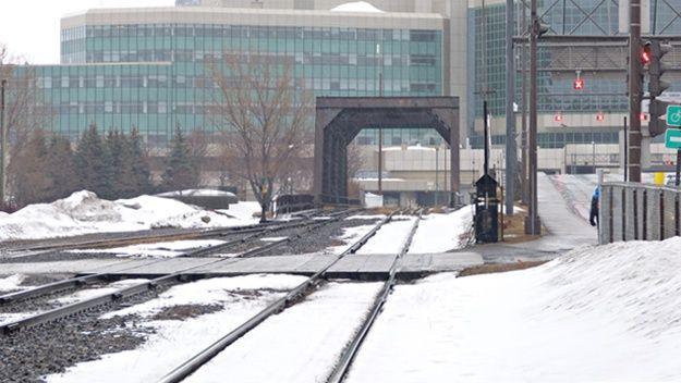 Alors que les problèmes de congestion à Québec (notamment autour du Centre Vidéotron) font couler beaucoup d'encre, la Ville refuse de voir ou d'étudier tout le potentiel de certaines infrastructures déjà en place, comme les voies de chemin de fer. …