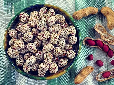 Узбекские сладости: кунжутли ёнгок - арахис в кунжуте
