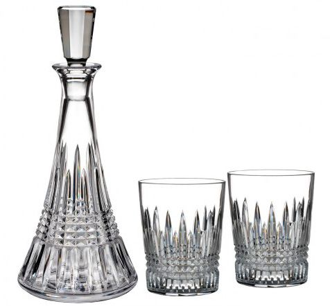 Made using radiant fine crystal this beautifully designed Lismore Diamond Decanter Gift Set is sold for just £265 at Waterford.