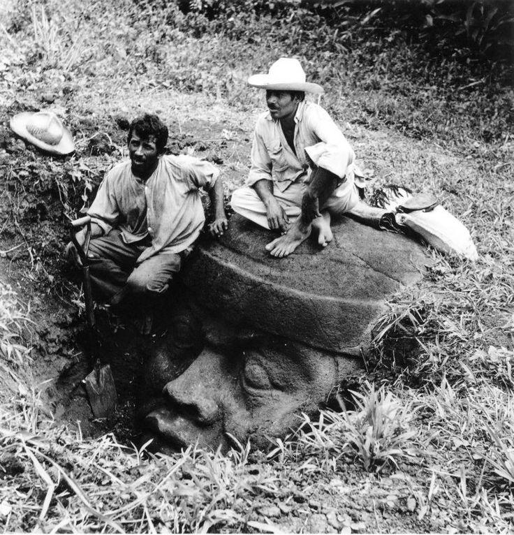 Cabeza Olmeca encontrada en los tuxtlas, Veracruz, hallazgo de Frans Blom en 1929, México.