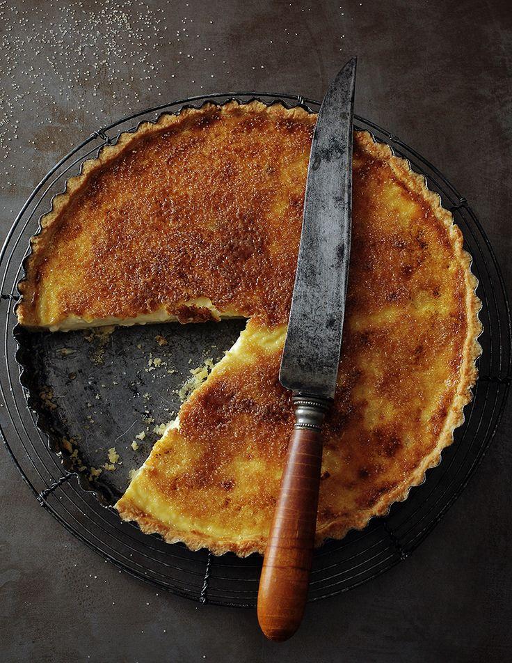 Crème brûlée tart.