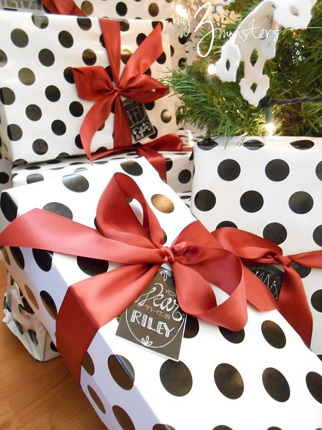 Christmas Gift Wrapping Idea at {my3monsters.com} #Christmas #packaging